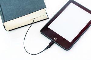 Ebook o libro cartaceo? Lettori verso una lettura ibrida