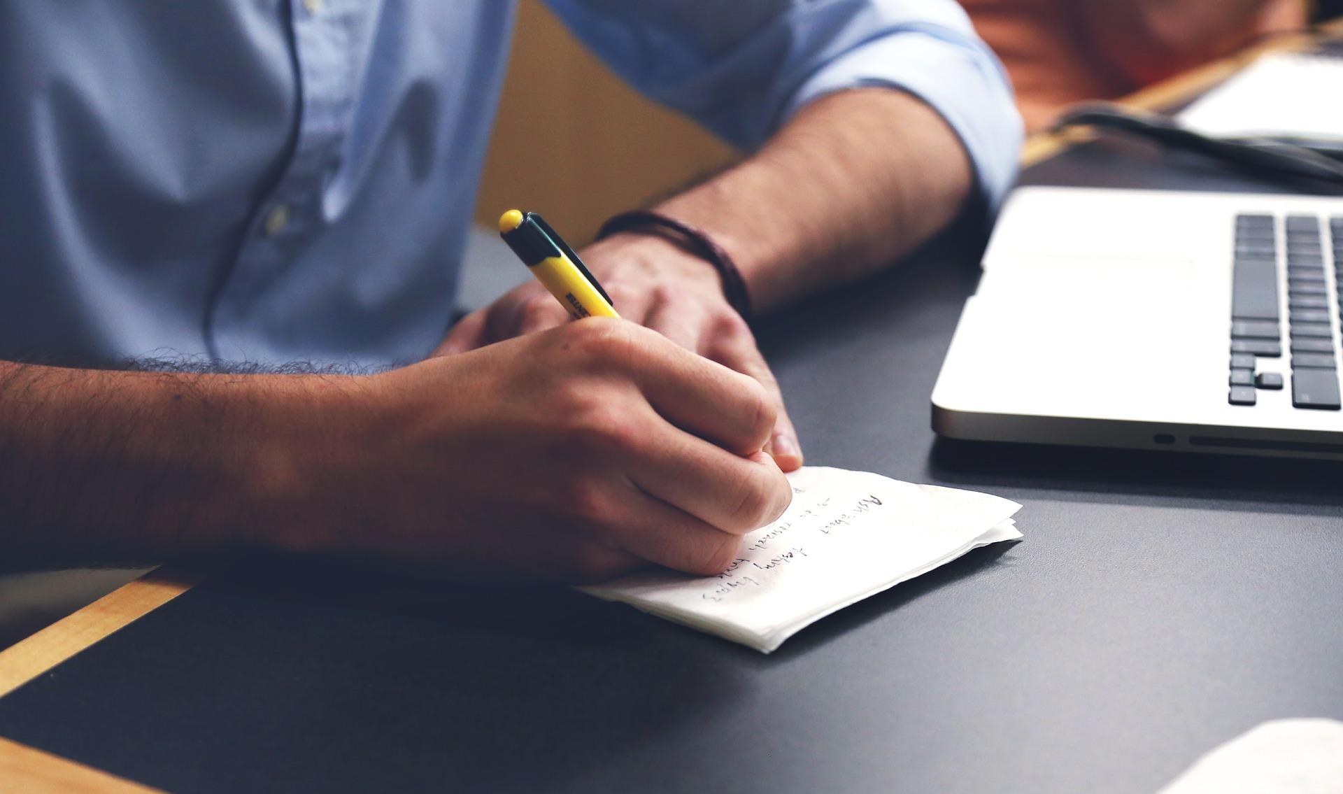 Professione scrittore: la sinossi